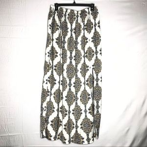 H&M cream Maxi skirt with damask print - Size M
